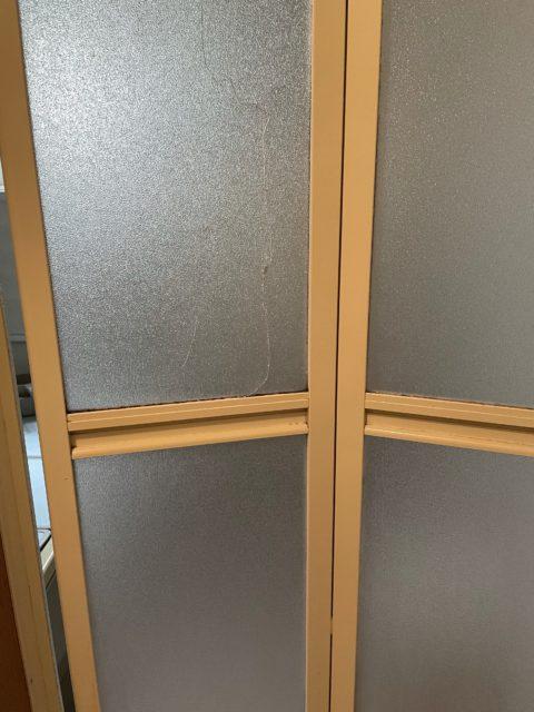 浴室の折れ扉交換
